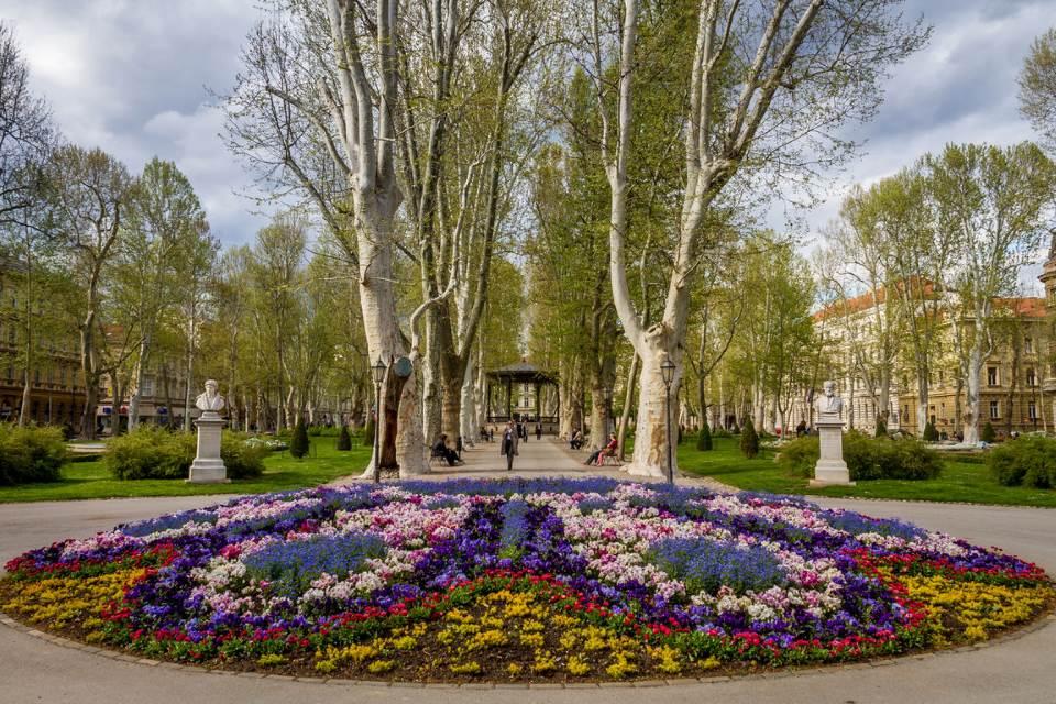 Zagabria città mitteleuropea: ferro di cavallo verde